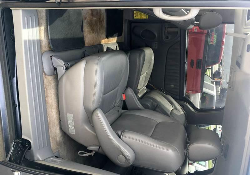 2006 Toyota Sienna XLE Limited 7-Passenger 4dr Mini-Van - Norcross GA