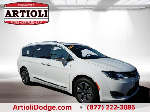 2017 Chrysler Pacifica Hybrid for sale in Enfield CT