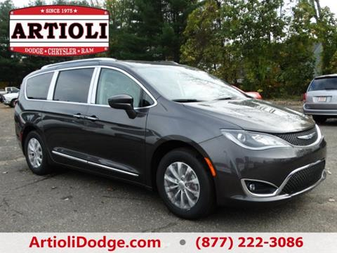 2018 Chrysler Pacifica for sale in Enfield CT
