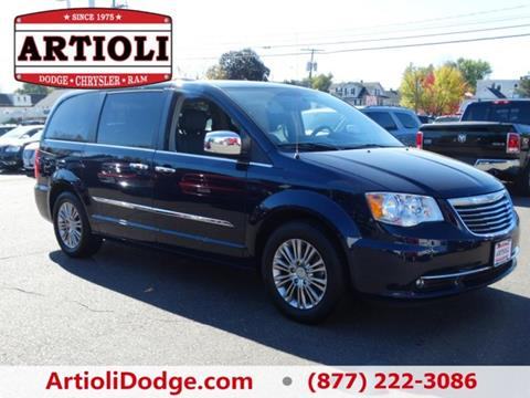2015 Chrysler Town and Country for sale in Enfield CT