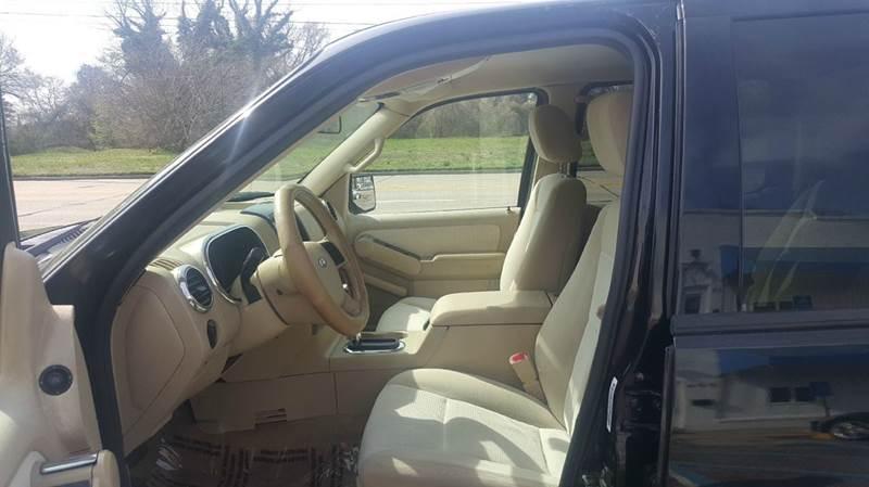 2006 Ford Explorer XLT 4dr SUV 4WD w/V6 - Hampton VA