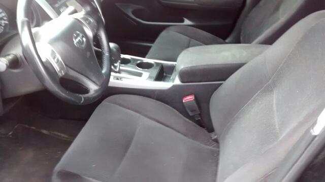 2013 Nissan Altima 2.5 SV 4dr Sedan - Barrington IL
