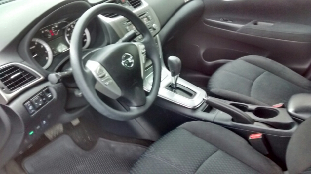 2013 Nissan Sentra SR 4dr Sedan - Barrington IL