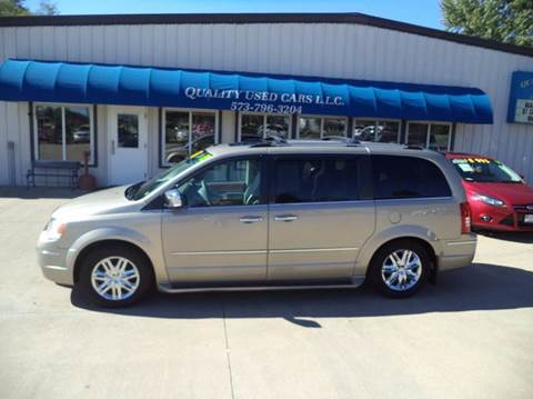 2009 Chrysler Town and Country for sale in California, MO