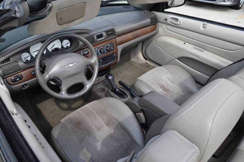 2006 Chrysler Sebring Touring 2dr Convertible - Crestwood IL