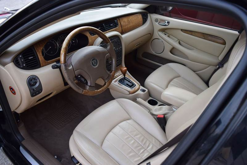 2004 Jaguar X-Type AWD 3.0 4dr Sedan - Crestwood IL