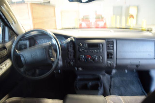 2002 Dodge Dakota 2dr Club Cab SLT Plus 4WD SB - Crestwood IL