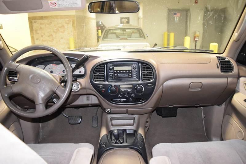 2002 Toyota Sequoia SR5 4WD 4dr SUV - Crestwood IL