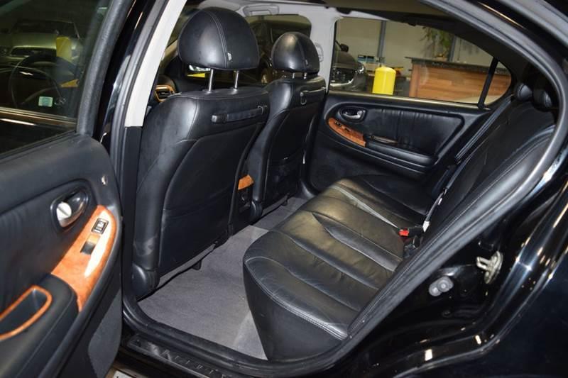 2002 Infiniti I35 4dr Sedan - Crestwood IL