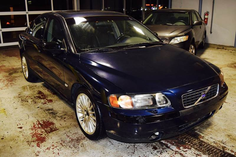 2004 Volvo S60 4dr 2.5T Turbo Sedan - Crestwood IL