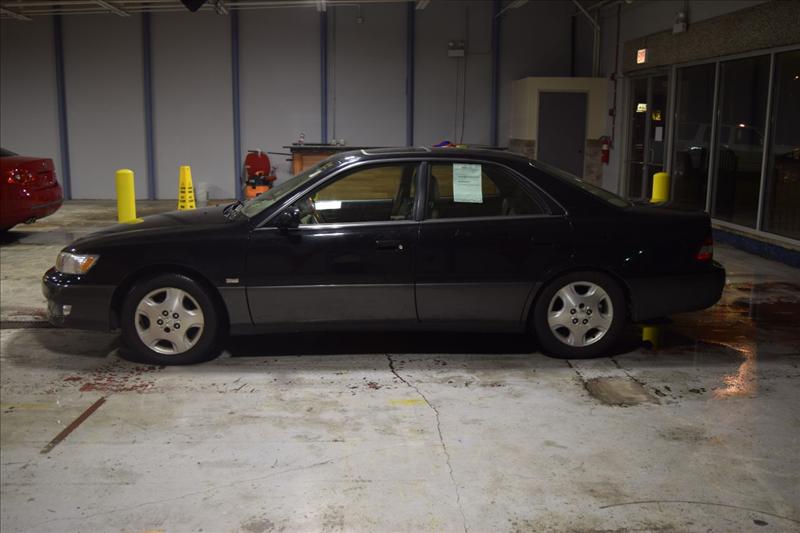 2000 Lexus ES 300 Base 4dr STD Sedan - Crestwood IL