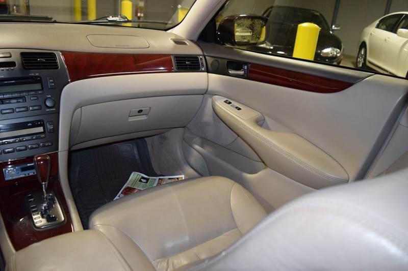 2003 Lexus ES 300 4dr Sedan - Crestwood IL