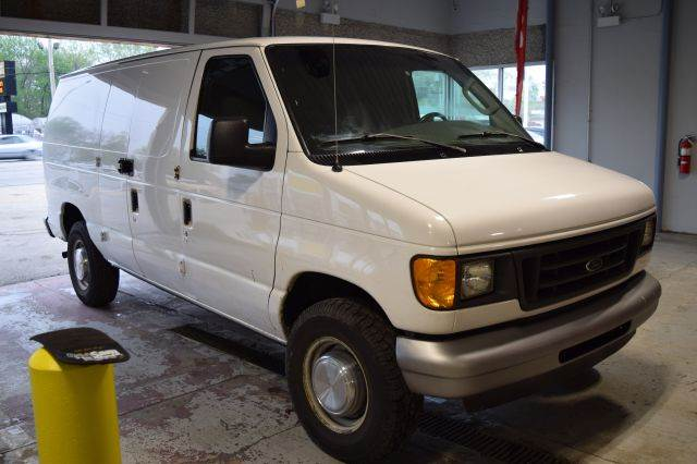 2003 Ford E-Series Cargo E-250 3dr Cargo Van Extended - Crestwood IL