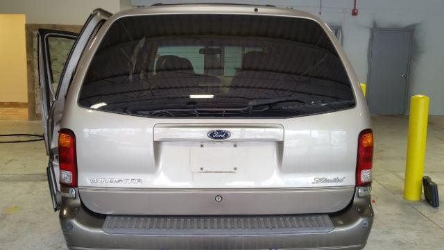2003 Ford Windstar Limited 4dr Minivan - Crestwood IL