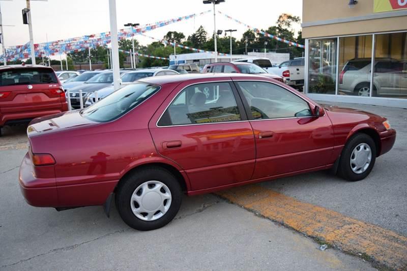 1998 Toyota Camry XLE 4dr Sedan - Crestwood IL