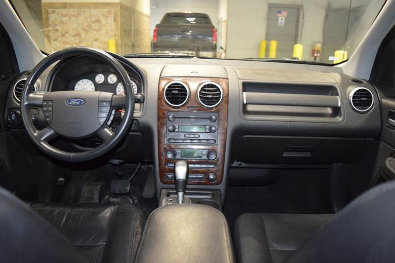 2005 Ford Freestyle AWD Limited 4dr Wagon - Crestwood IL