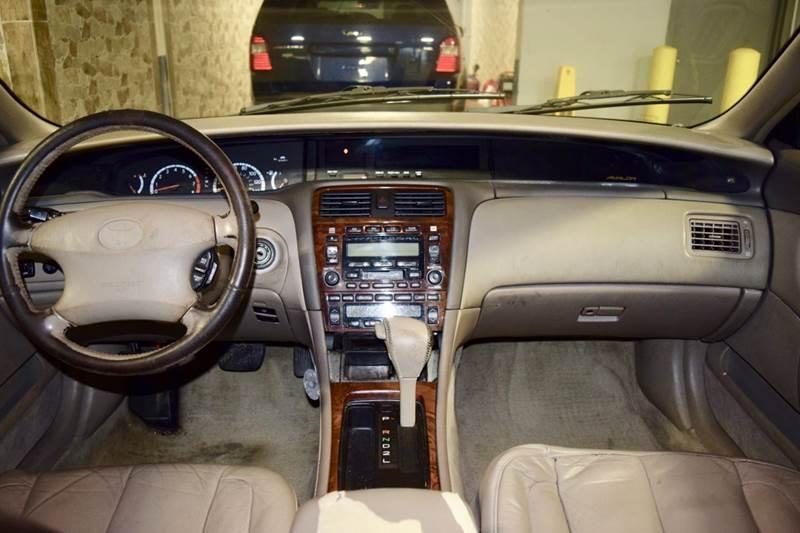 2001 Toyota Avalon XLS 4dr Sedan w/Bucket Seats - Crestwood IL