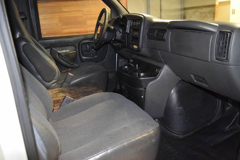 2002 Chevrolet Express Cargo 3500 3dr Van - Crestwood IL