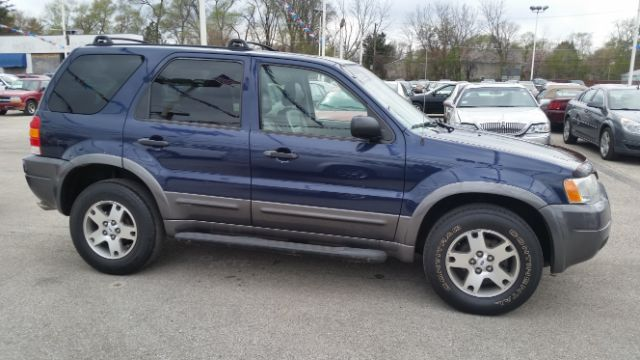 2003 Ford Escape XLT Popular 2 4WD 4dr SUV - Crestwood IL