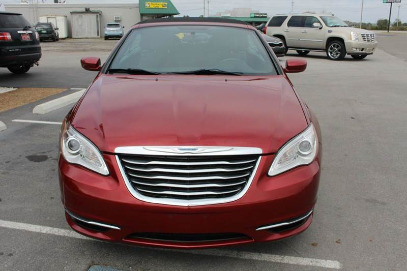 chrysler 200 2013 red. contact chrysler 200 2013 red
