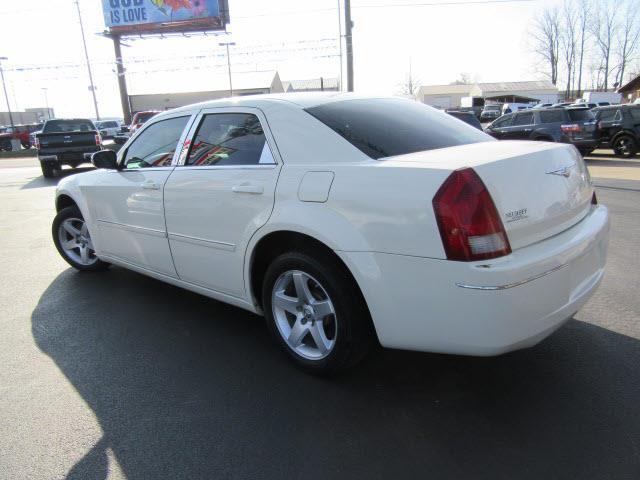 2007 Chrysler 300 Touring 4dr Sedan - Evansville IN