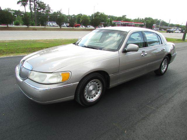 Town Motors Inc >> 1999 Lincoln Town Car for sale - Carsforsale.com