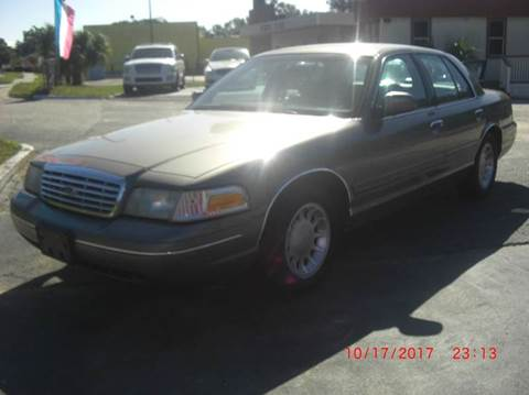 2000 Ford Crown Victoria for sale in North Charleston, SC