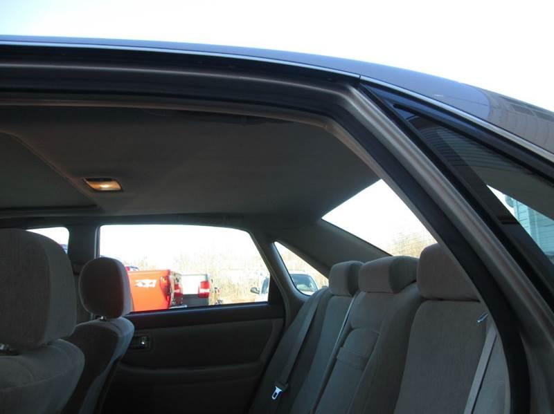 2001 Toyota Avalon XL 4dr Sedan w/Bucket Seats - Hazleton PA