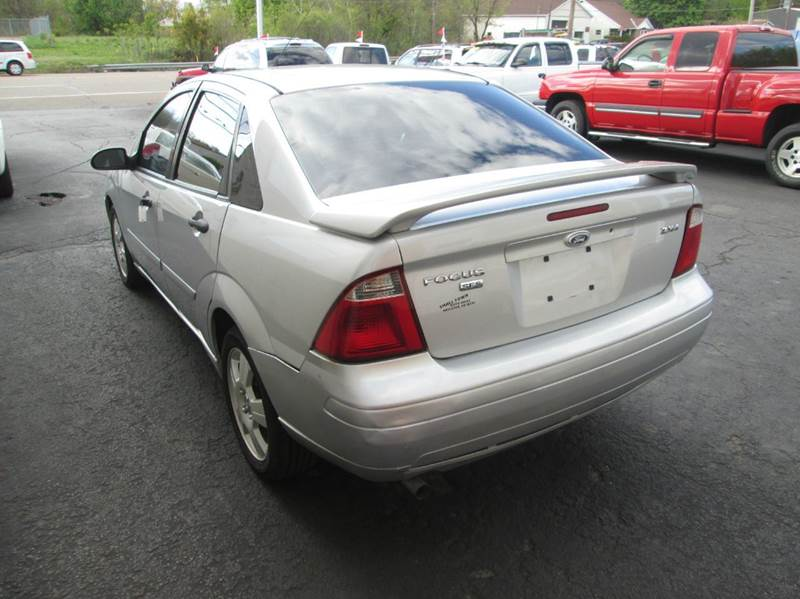 2005 Ford Focus ZX4 SE 4dr Sedan - Hazleton PA