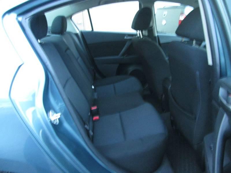 2011 Mazda MAZDA3 i Touring 4dr Sedan 5A - Hazleton PA